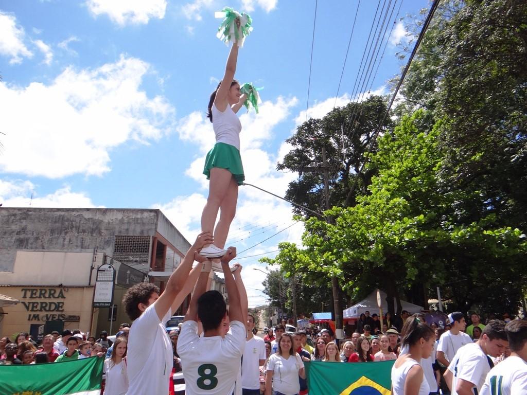 Com homenagem aos Esportes, desfile comemora os 155 anos de Avaré
