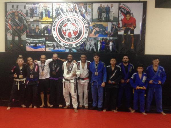 Atletas de Atletas da equipe Miquinho e academia Fidélis Sport participaram de etapa do campeonato paulista de Jiu-Jitsu