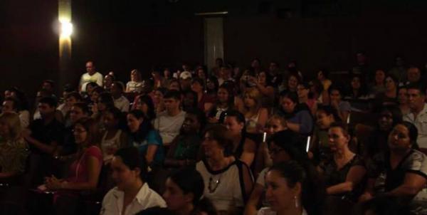 Cinema no Divã debateu o filme Gente como a gente
