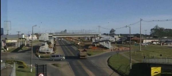 Sistema Pare e Siga na Rodovia João Mellão (SP 255) | Passarelas do km 256 e do km 260