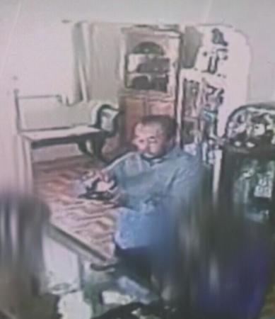Homem distrai a vendedora e entrega comprovante falsificado em Avaré