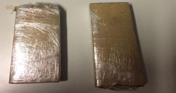 Jovem é flagrado com tabletes de maconha em Cerqueira César
