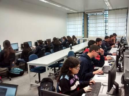 Prefeitura de Avaré confirma exclusão de aulas de informática da grade curricular