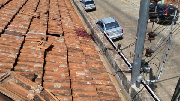 Exames revelam que ladrão que teria sido eletrocutado foi atingido por tiro durante furto, diz delegado