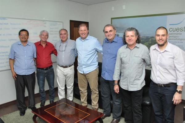 Prefeitura de Botucatu fecha acordo com primeira empresa do Distrito Industrial IV
