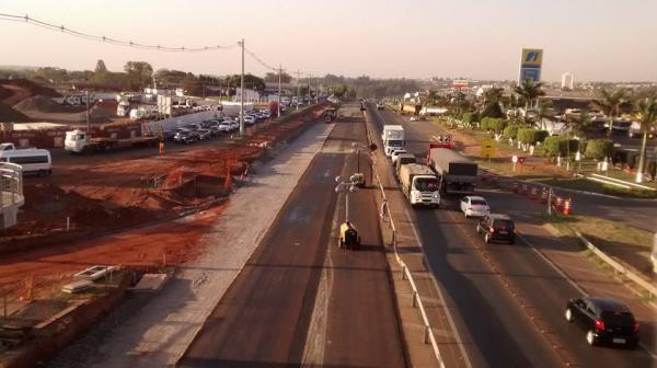 Mais de 46 mil veículos trafegaram na Rodovia João Mellão (SP-255)