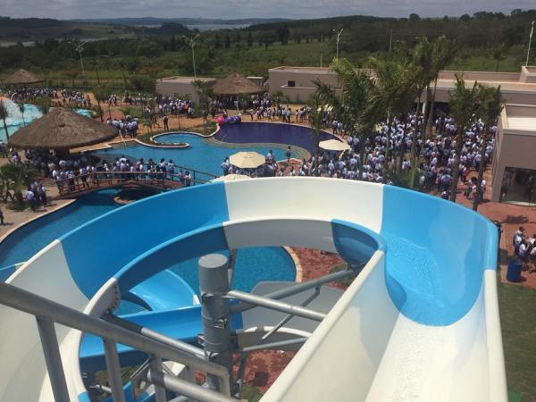 Fecomerciários inaugura Parque Aquático inédito em Avaré