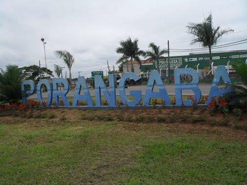 Justiça condena prefeito de Porangaba por gastar demais com festas e shows na cidade