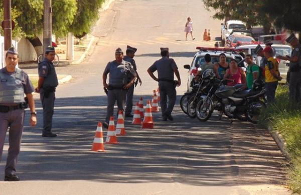 Operação da PM em Avaré prende dupla suspeita de tráfico de drogas