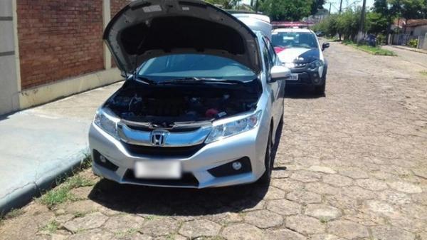 Motorista é detido após ser flagrado com carro clonado em Manduri