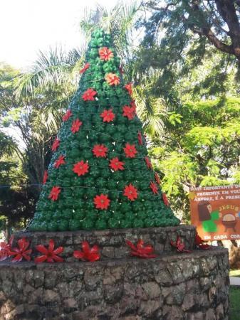 Itaporanga gastou menos de 1% do que Avaré com decoração de Natal