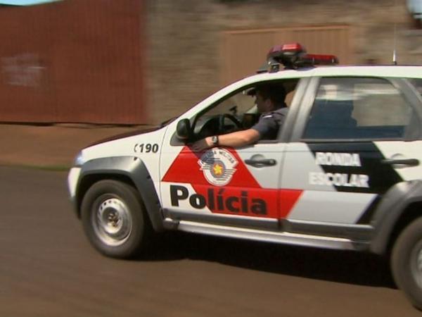 Polícia flagra homem com arma de fogo em Avaré