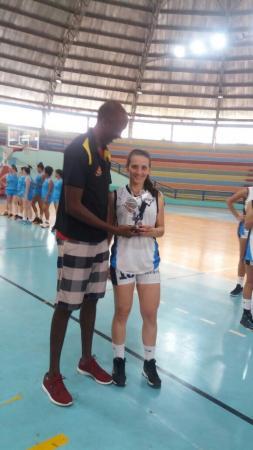 Basquete feminino de Avaré ganha  medalha de prata da Liga Centro-Oeste
