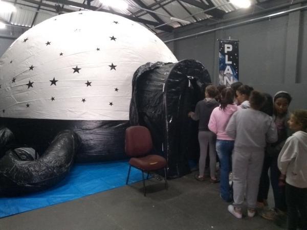 Mais de mil pessoas visitam o Planetário em Avaré