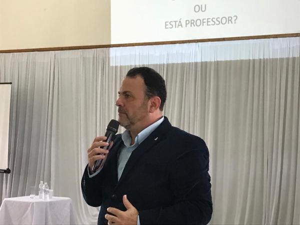 Secretaria da Educação promove palestras para profissionais da Rede Municipal