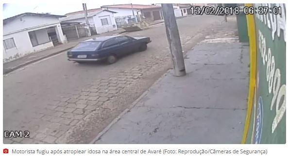 Idosa é atropelada e arrastada por carro em calçada em Avaré
