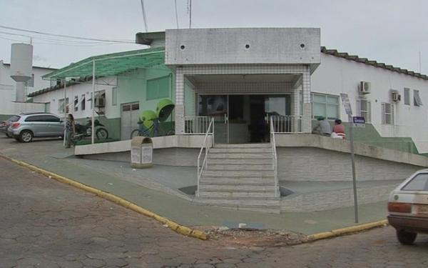 Médico suspeito de mandar 'nudes' do banheiro de hospital municipal é afastado