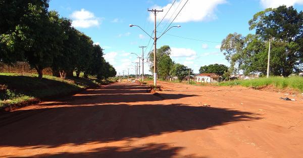 Prometida para o ano passado, prefeitura diz que pavimentação de avenida poderá começar em 90 dias.