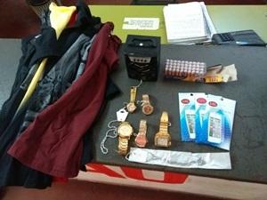 Polícia Militar prendeu dois suspeitos de furtar uma loja de roupa em Cerqueira Cesar