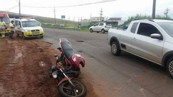 Motociclista teve moto partida ao meio por buraco em Avaré