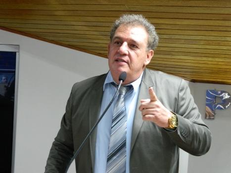 Vereador pede comparecimento de secretários municipais