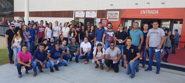 Universitários da Engenharia Eduvale visitam a 24ª edição da FEICON