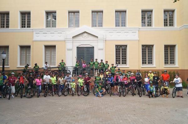 Aproximadamente 100 ciclistas participaram de passeio pelo Centro Histórico de Botucatu