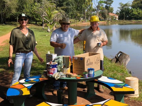 Voluntários avareenses recuperam espaços públicos no Horto Florestal