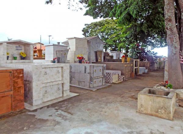 Com cemitério sem vagas, Prefeitura orienta a usar o da Barra Grande