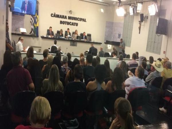 Por 6 votos a 4 Câmara rejeita projeto de lei que permitiria volta do rodeio em Botucatu