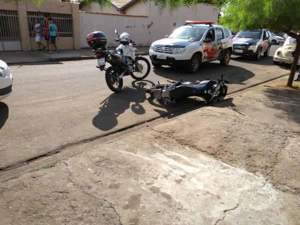 Perseguição policial e acidente pelas ruas de Avaré