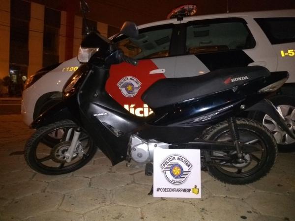 Homem é preso suspeito de furtar motocicleta em Avaré