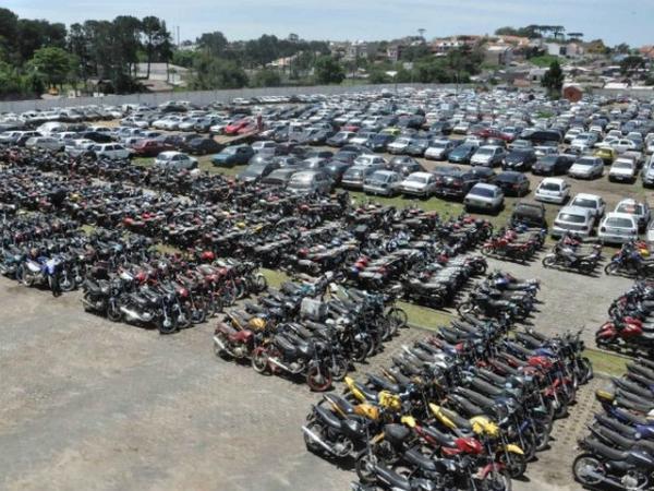 Detran leiloa veículos apreendidos por infrações na região de Avaré