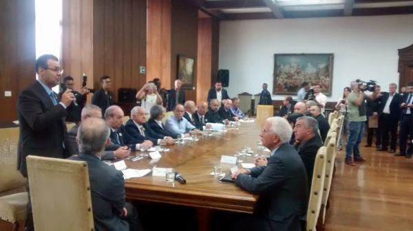 Vereador do PSC participa de reunião com o Governador