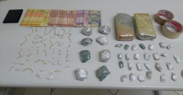 Homem é preso ao ser flagrado com porções de crack, maconha e cocaína em Avaré
