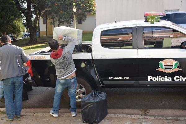 Polícia Civil descobre depósito de cigarros contrabandeados