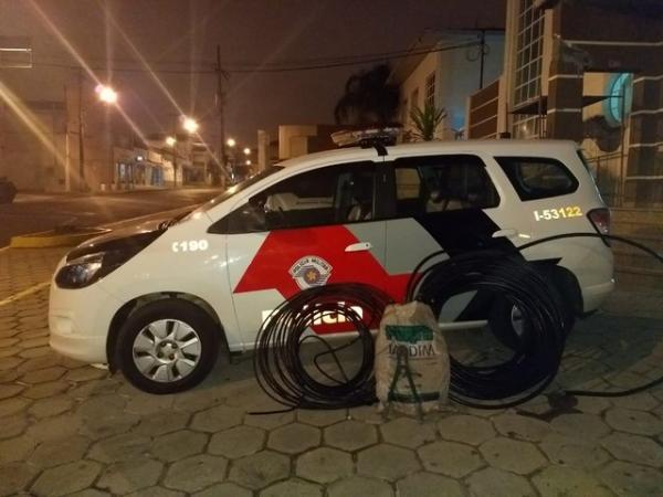 Rapaz é preso suspeito de furtar mais de 80 metros de fios de telefone em rodovias de Avaré