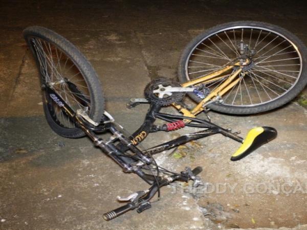 Ciclista fica ferido após ser atropelado por veículo na rodovia entre Manduri e Águas