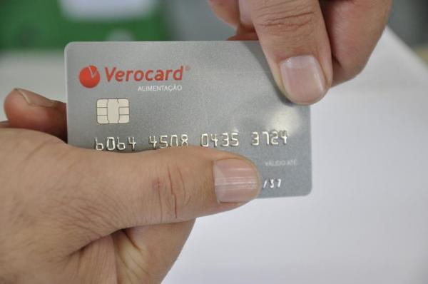 Servidores Municipais de Botucatu poderão comprar em 5 grandes redes de supermercados com novo vale-alimentação