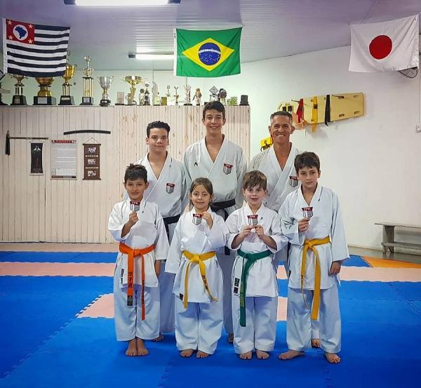 Karatê avareense obteve bons resultados na cidade de Joinville