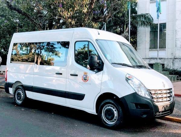 Van para transporte de atletas é adquirida para a SEME