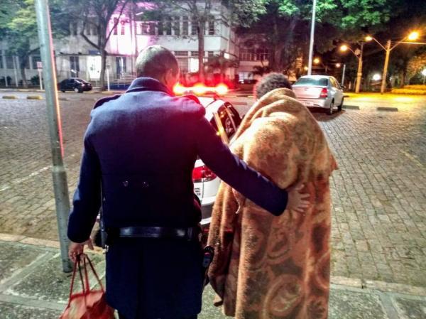 """""""Operação Migrante"""" atendeu 5 pessoas nesta madrugada em Botucatu"""