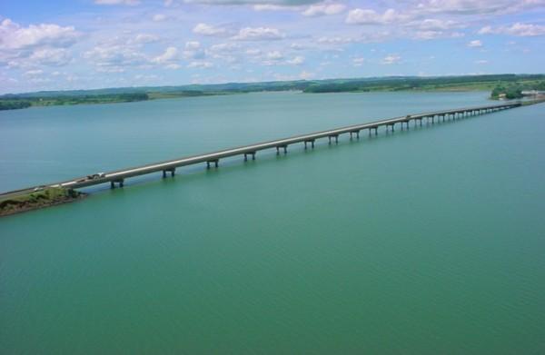 Pare e Siga na Ponte Carvalho Pinto em Avaré