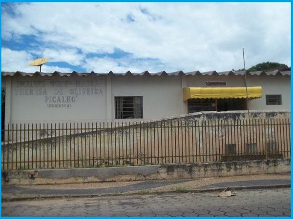 Remanejamento para outras escolas de Avaré causa transtornos a alunos da Escola Maneco