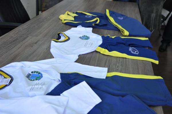 Prefeitura de Botucatu se antecipa e garante uniformes escolares para 2019