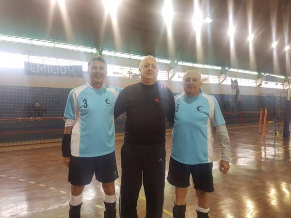 Atletas avareenses disputam vôlei adaptado por águas de São Pedro
