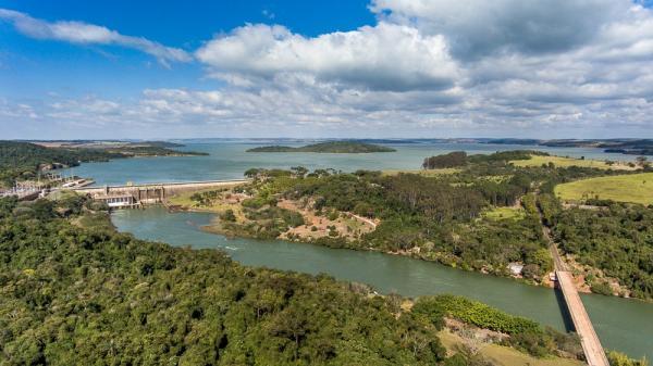 CTG Brasil comemora Dia do Paranapanema com soltura de 100 mil peixes