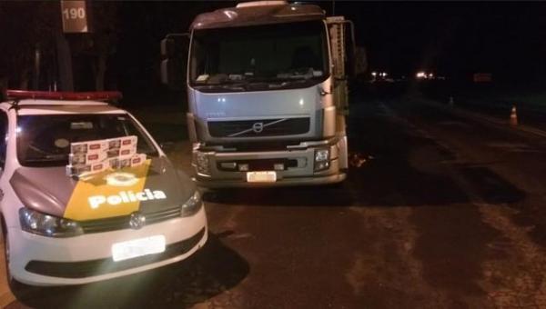 Caminhão é encontrado com caixas de cigarros contrabandeados em Piraju