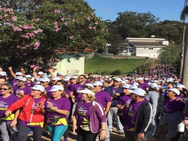 Mais de 800 pessoas participam da  Caminhada Unimed em Avaré