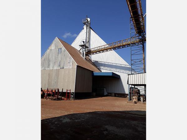 Fiscalização interdita silos de empresas na região de Itapetininga e Avaré